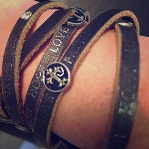 Jewelry - Skinny cuff bracelet